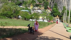 Bayin Nyi Cave Hpa-an Pa-an hot spring monkeys
