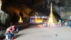 サダン洞窟は、かなり大きな洞窟です。ボート乗り場までは、10~15分くらい歩くことになります。