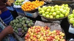 フルーツ、安い、Mawlamyineのフルーツマーケットの写真