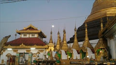 mawlamyine kyeik than lan pagoda、Mawlamyine、写真、夜景、満月