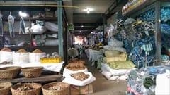 Mawlamyine、一番大きなマーケット、スパイス、加工食品、お土産、mawlamyine zeigyi central market photo